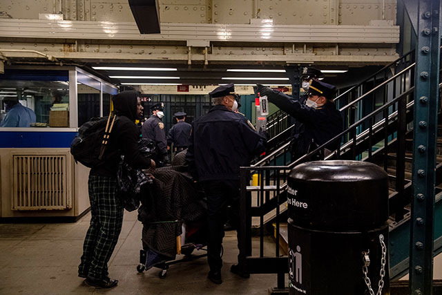 NYPD throws people off the subway at Bronx station, 6