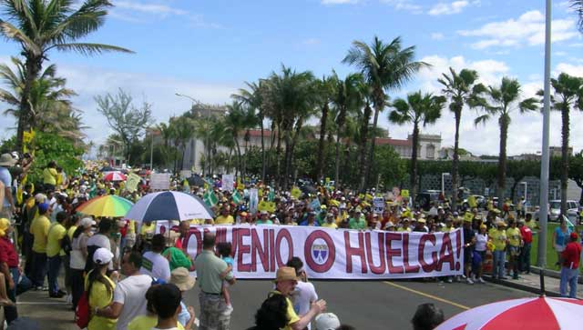 Puerto Rican teachers march, Sunday, February                       17, 2008