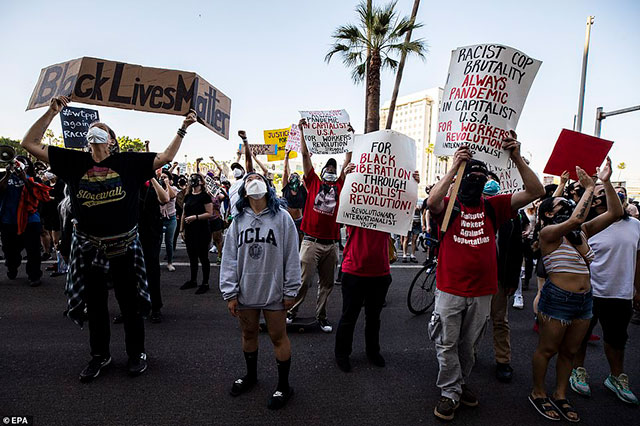 27 May Los Angeles protest over murder of Floyd George             by Minneapolis police. (Photo: EPA)